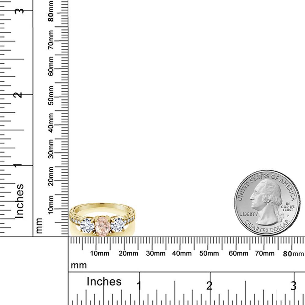 Gem Stone King 1.77カラット 天然モルガナイト(ピーチ) モアッサナイト Charles & Colvard シルバー 925 イエローゴールドコーティング 指輪 リング レディース スリーストーン 天然石 誕生石 金属アレルギー対応 誕生日プレゼント