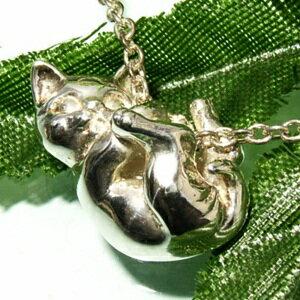 【送料無料】 ぶらさがり ネコ シルバーネックレス レディース ネックレス 猫 アクセサリー …