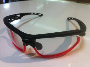 RUDYPROJECT(ルディプロジェクト)FOTONYK(フォトニック)SP457306-0001(ブラックマット/レッド)スポーツ用サングラス調光サングラス有名ブランドサングラス