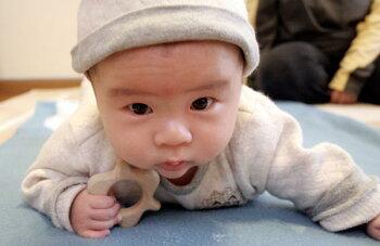 歯固めおしゃぶりおむすびころりん木のおもちゃ出産祝い名入れギフト日本製おしゃぶり赤ちゃんおもちゃ銀河工房人形