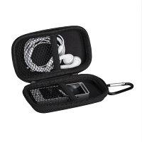 AGPTEK MP3プレーヤー収納ポーチ 音楽プレーヤーキャリングケース ポータブル カラビナ付き 通学/通勤/運動用 対応機器のサイズ:約W4.3×H9.2×D1.3CM ブラック
