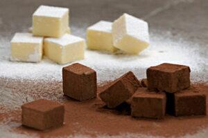 函館元町にある大三坂「日本の道百選」に選ばれた石畳をモチーフした高級チョコレート。大三坂...