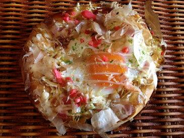 【お好み焼きぱん】たまごを丸々1個使用したお好み焼きの様な惣菜パン