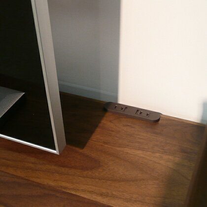 商品名 DPテレビ台135cmテレビボード北欧カラー ブラウン色サイズ 幅135奥行43高さ180cm生産国 国産日本製主素材 無垢材ウォールナット材北欧ハイタイプテレビ台壁面収納ローボード※150cm幅に変更可能