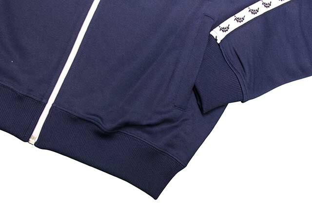 FRED PERRY LAUREL WREATH TAPE TRACK JKT(J6231:CARBON BLUE)フレッドペリー/トラックジャケット/ネイビー