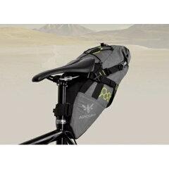 BikePacking/バイクパッキング/ツーリング/寝袋Apidura / アピデュラ コンパクトサドルバッグ