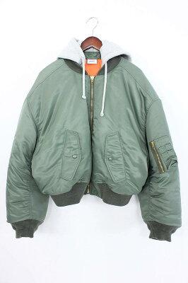 ヴェトモンのボマージャケット