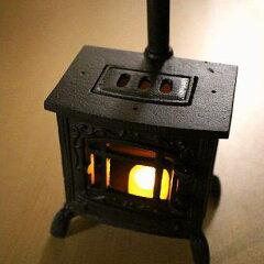 LED付きミニチュアストーブのオブジェストーブオブジェ LEDキャンドル付き ミニチュア 薪ストー...