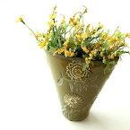 花瓶 陶器 おしゃれ フラワーベース 花器 テラコッタ 素焼き 洋風 花入れ インテリア ベース デザイン 手作り グリーン 緑 口広 口が広い 陶器のミニベース フローラ