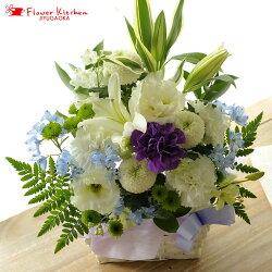 ユリと洋花を使った旬のおまかせ供花