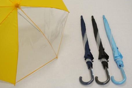 ●軽くて丈夫なグラスファイバー骨使用●学童 2コマ透明傘 ジャンプタイプ 55cm【あす楽】