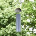 インテリア風鈴シングルウインドチャイム陶器磁器やきものモダンで美しいデザイン日本の伝統技法千筋柔らかく優しい音色短冊は伝統模様の縞模様風通しを良く風の流れを見る微風でも好く鳴る工夫エアコンをかけても窓を開けて換気を確認