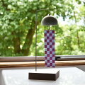 インテリア風鈴スタンド市松ウインドチャイム陶器磁器窓辺やテーブルに置くモダンで美しいデザイン日本の伝統技法千筋柔らかく美しい音色短冊は伝統模様の市松様風通しを良く微風でも好く鳴る工夫エアコンをかけても窓を開けて