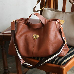 【ATAO】堅牢なレザーを贅沢に使ったバッグ elvy(エルヴィ)【楽ギフ_包装】