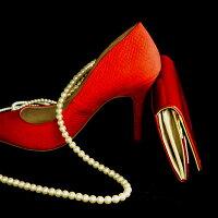 【FRUTTI】赤いハイヒールをイメージしたウォレットALBAPrima(アルバプリマ)