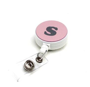 定形外郵便限定 送料無料伸縮自在のイニシャル付きリール クリップ付きパスケースや名札、ストラップ、鍵等と一緒に