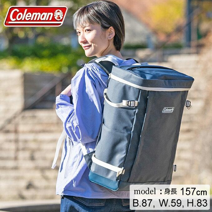 コールマンの「シールド35」は、箱のようなスクエア型が大きな魅力。大きい物を入れても、スクエア型がキープされます。「たくさん物を入れても、かっこよくておしゃれな見た目にこだわりたい」方にオススメですよ◎