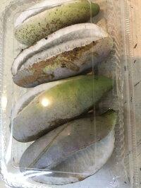 謎の果物アケビ