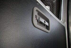 ハイエース200系DX用レザー調内装張り替えシート2