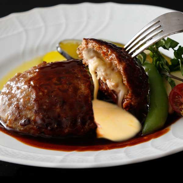チーズin穴のあいたビーフハンバーグ 北海道産チーズinハンバーグ