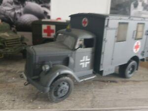車・バイク, レーシングカー  forces of valor ww2 unimax metal ambulance