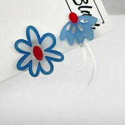 【送料無料】ジュエリー・アクセサリー デイジーアクリルミスマッチクリップイヤリングブロガーblue amp; red flower daisy acrilico mismatch clip su orecchini blogger uk geometrico
