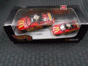 【送料無料】模型車 モデルカー スポーツカーホットホイールスケールレーシングビルエリオット#マクドナルドフォードトーラスhot wheels 164 amp; 143 scale nascar racing bill elliot 94 mcdonalds ford taurus