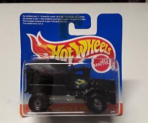 【送料無料】模型車 モデルカー スポーツカーホットホイールオシュコシュボックスシリーズhot wheels oshkosh p series 4 of 4 in original box