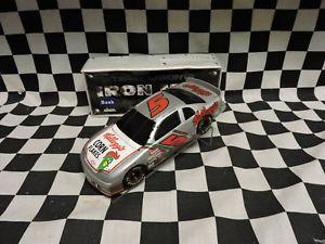 【送料無料】模型車 モデルカー スポーツカーアクションテリーラボンテ#ケロッグ#モンテカルロaction 124 terry labonte 5 kellogg039;s iron man monte carlo bwb