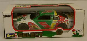 【送料無料】模型車 モデルカー スポーツカーテリーラボンテ#ケロッグキーブラレーシングモンテカルロrevell terry labonte 5 kelloggs racing corny 1998 monte carlo 124 signed car