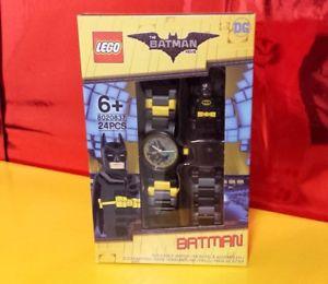 【送料無料】リンクレゴモジュラークロックバットマンlego 8020837 orologio componibile per bambini con minifigure link batman