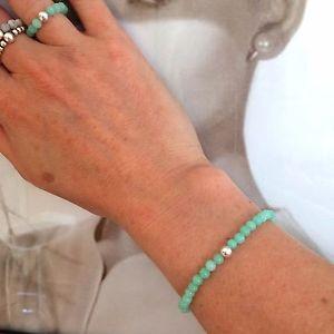 【送料無料】ブレスレット アクセサリ— ヒスイストレッチブレスレットスターリングシルバービーズアクアビーズハートチャクラgreen jade stretch bracelet sterling silver bead aqua beaded heart chakra gift