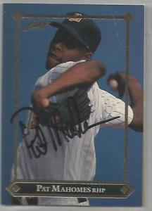 【送料無料】スポーツ メモリアル カード ミネソタツインズpat mahomes1992サインminnesota twins pat mahomes autographed 1992 leaf
