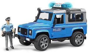 【送料無料】模型車 モデルカー スポーツカー ランドローバーディフェンダーステーションワゴンタイプbruder 116 land rover defender station wagon art 02597