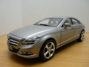 車・バイク, レーシングカー  mercedes cls 2011 gris titanium designo alubeam 118