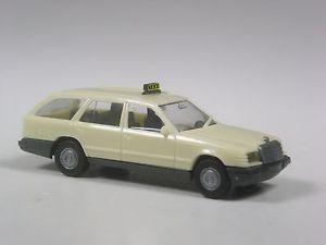 【送料無料】模型車 モデルカー スポーツカー トップメルセデスクラスステーションワゴンモデルタクシーtop herpa sondermodell mercedes 300 te eklasse kombi taxi