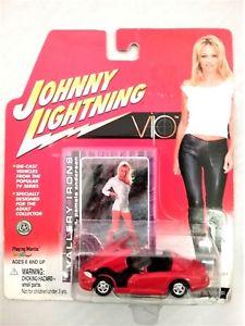 【送料無料】模型車 モデルカー スポーツカー ジョニーボックスパメラアンダーソンjohnny lightning vip vallery irons vallerys viper pamela anderson in box