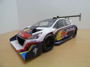 【送料無料】模型車 モデルカー スポーツカー プジョーパイクスピークローブpeugeot 208 t16 winner pikes peak 2013 118 loeb
