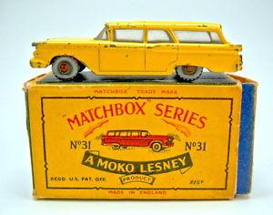 【送料無料】模型車 モデルカー スポーツカー マッチボックスフォードステーションワゴンmatchbox rw 31b ford station wagon in rarer farbe gelb in box