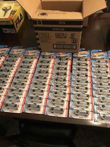 【送料無料】模型車 モデルカー スポーツカー ホットホイールダットサンロットフルケースウォルマートブランドhot wheels 2018 datsun 620 zamac lot of 72 full case walmart exclusive brand