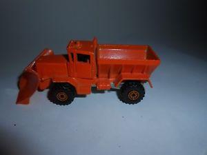 【送料無料】模型車 モデルカー スポーツカー ホットホイールオシュコシュスノーオレンジプラウマレーシアvtg 1983 hot wheels mattel inc oshkosh snow plow orange complete malaysia