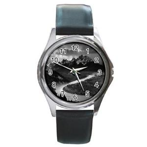 【送料無料】the grand tetons national park ansel adams round metal watch