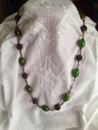 【送料無料】ネックレス ベークライトビーズクランプancien collier de perles odorantes et perles de baklite vertes