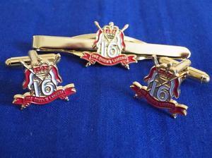 【送料無料】メンズアクセサリ— ロイヤルカフリンクタイグリップクリップセット16th 5th queens royal lancers cuff link and tie grip clip gift set