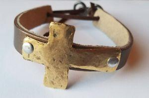 【送料無料】ブレスレット アクセサリ— ハンドメイドクロスレザーブレスレットカフミントhandmade hammered metal cross leather bracelet cuff mint