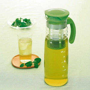 水で抽出するとまろやかな味わい。安心の耐熱ガラス製 HARIO 水出し茶ポット(かご網付き)