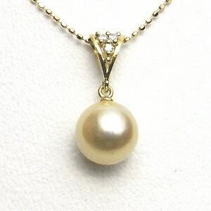 ナチュラルゴールドカラーのK18アコヤ真珠ダイヤ入りペンダント(8ミリ)