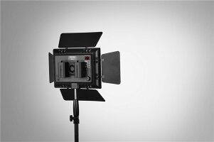 【YN600二代目!!】【正規品純正品3ヶ月保証!!】Yongnuo600LEDスタジオビデオライトAC電源アダプター使用可5500k宅急便発送のみ600球のLEDを搭載カメラ&ビデオカメラ用Yongnuo製YN-600II【安価新商品!】