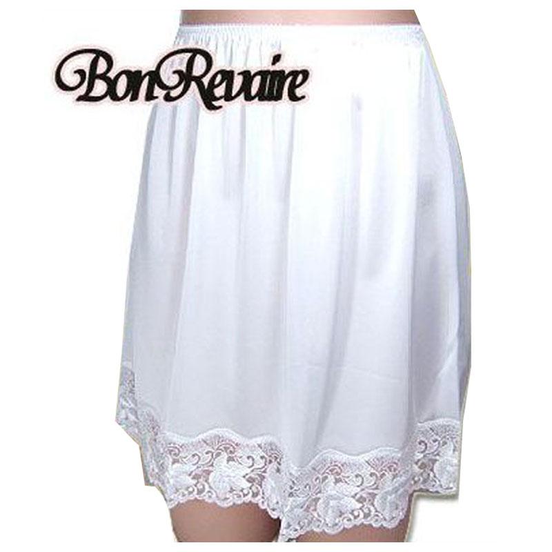 【BonRevaire】美しく咲き誇る裾レースのペチコート 6611-0