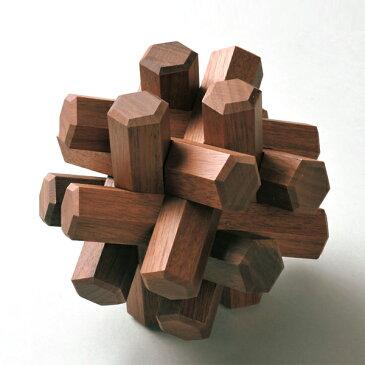 旭川クラフト 木製立体パズル12本組 ウォルナット材 木肌の手触りを感じながら組み立てる木製立体パズル12本組 お子様へのプレゼントにもおすすめです。 日本製・手作り・クラフト・北海道・旭川クラフト・ササキ工芸